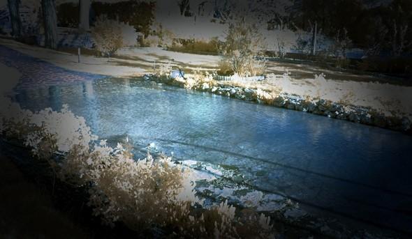 """Formation d'un véritable petit étang dans ce """"bassin d'orage"""".Seule photo prise à ce moment mais en infrarouge, et malheureusement pas de la meilleure qualité..."""