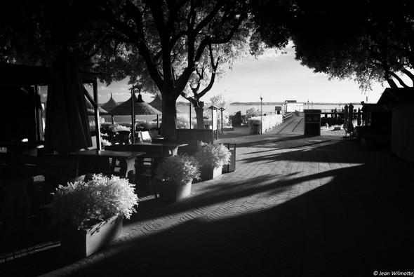 Vue sur la piazzetta, en direction du débarcadère.