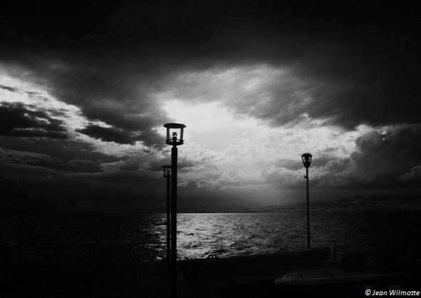 Approche du coucher de soleil.Photo prise de la rive ouest de l'Isola Maggiore.01/08/2015.