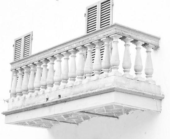 Le balcon du restaurant L'Oso.Via Guglielmi, Isola Maggiore.28 avril 2014.