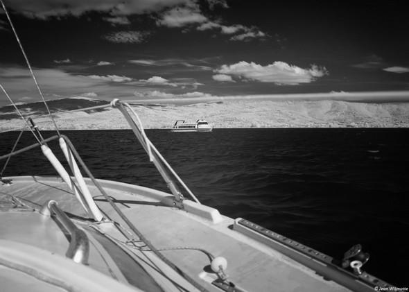 Cap sur Tuoro-Navaccia.A trobord, le traghetto en route vers l'Isola Maggiore.11:34.