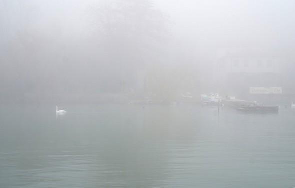 A une distance raisonnable, je commence àlors à longer la rive de l'Isola