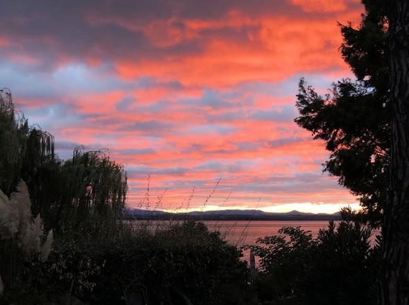 Feu sur le lac Trasimène.13 septembre 2012  -  18:24.