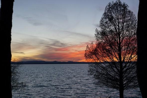 Essai d'embrasement au niveau de la rive ouest du lac Trasimène.15 janvier 2016 - 17:10.