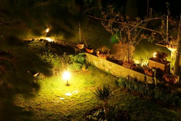 Nous éclairons vite le jardin...