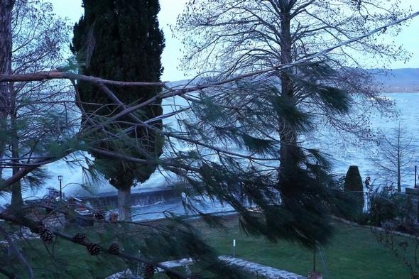 """La clarté me permet enfin de constater la vraie """"catastrophe"""" : notre barque a chaviré au cours de la nuit !"""