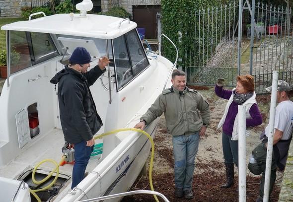 De gauche à droite : Massimiliano Mancinelli, Cristiano (insulaire), Fabienne et David (insulaire d'adoption).