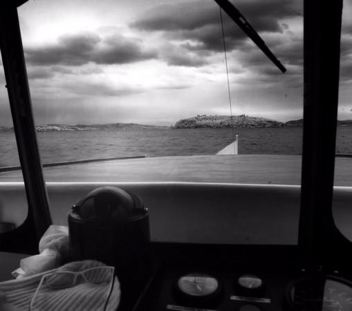 Le traghetto a maintenant mis le cap droit sur l'Isola Maggiore.