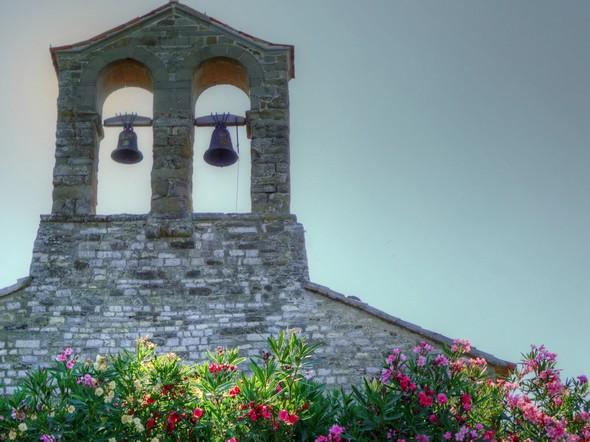 Clocher de la chiesa di San Michele Arcangelo.20/07/2016 - 09:01