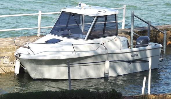 """La nostra """"pilotina"""".<br />Aquamar.<br />Darsena privata all'Isola Maggiore."""