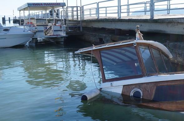 Il lato di dritta della barca.