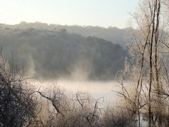 Brume sur un des Lacs de l'Eau d'Heure.