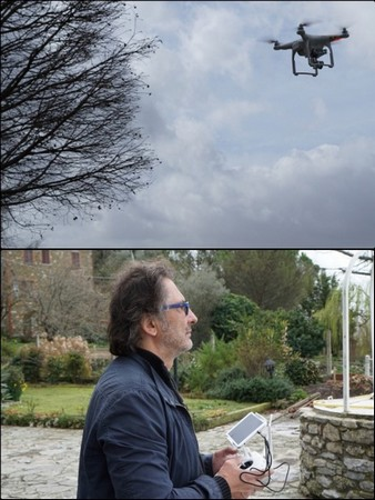 Robert utilise son drone pour prendre de la hauteur et filmer sous toutes les coutures le lac Trasimène et la rive où nous habitons...