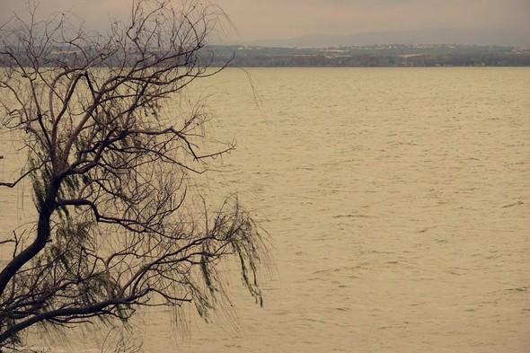 La rive ouest en face de chez nous.Même spectacle.