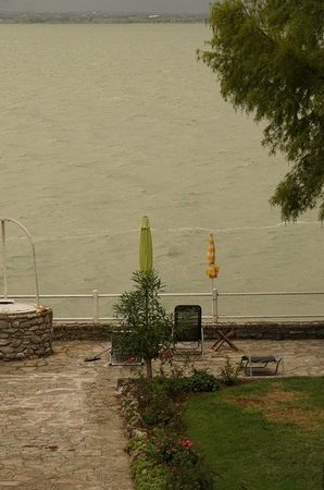Vue de notre jardin vers la rive ouest.Une situation identique.07:01