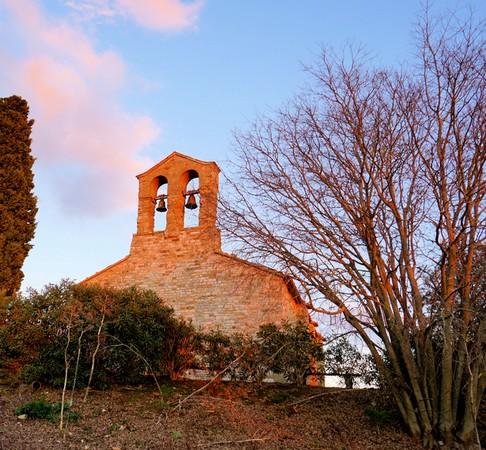 Chiesa di San Michele Arcangelo.Cima de l'Isola Maggiore.Lago Trasimeno.Forme actuelle du XIII° siècle.