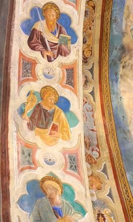 Trois Apôtres à droite du Christ.( à SA droite ).