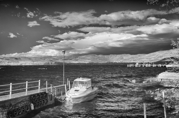 Sous la poussée d'un puissant vent d'ouest, le lac Trasimène revêt son apparence houleuse.17 janvier 2018