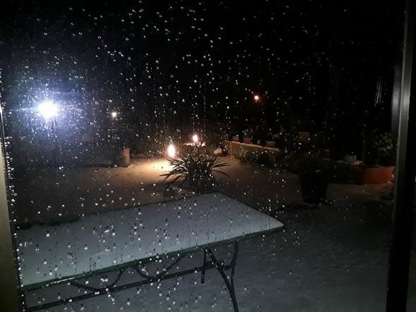 """Sitôt descendu au """"piano terra"""", j'ai réalisé le changement de décor : une neige généreuse !26 février 2018   -   02:50"""