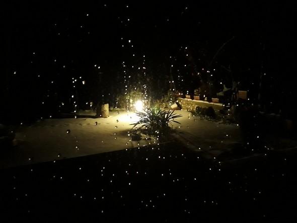 La magie nocturne d'un paysage nocturne sous la neige me tendait les bras...idem.