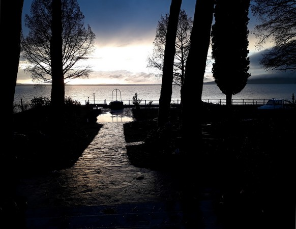 """Allée central de notre jardin.Au fond, le """"lac"""" artificiel.7 mars 2018   -   17:55"""