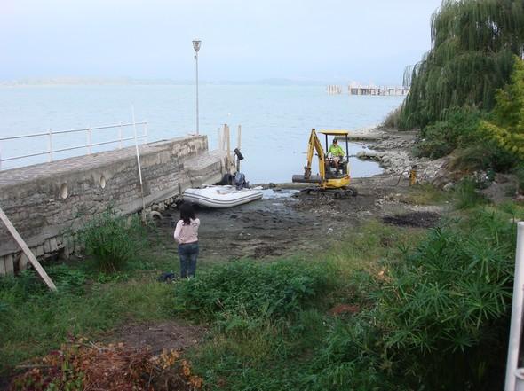 Notre darse privée, vue depuis son fond.9 octobre 2009.Vers moins 1,55 mètre.