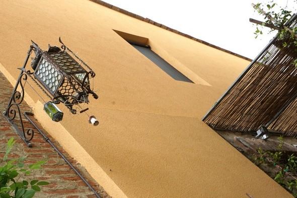 Facciata laterale della casa di Michelangelo.Via Guglielmi.